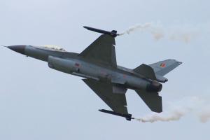 F16_04